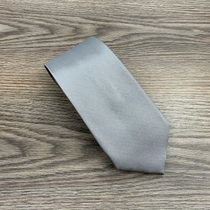 Jos A Bank Traveler's Silver Silk Tie